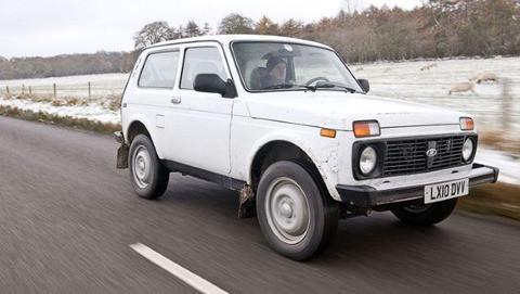 ラーダニーヴァという四輪駆動車を新車で買いました。そこで日本人の常識はロシアには通用しないことがわかりました